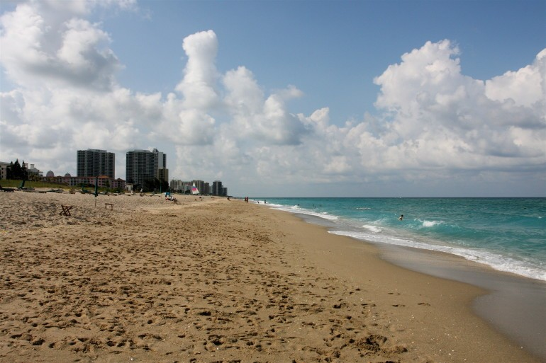 beach view in south florida
